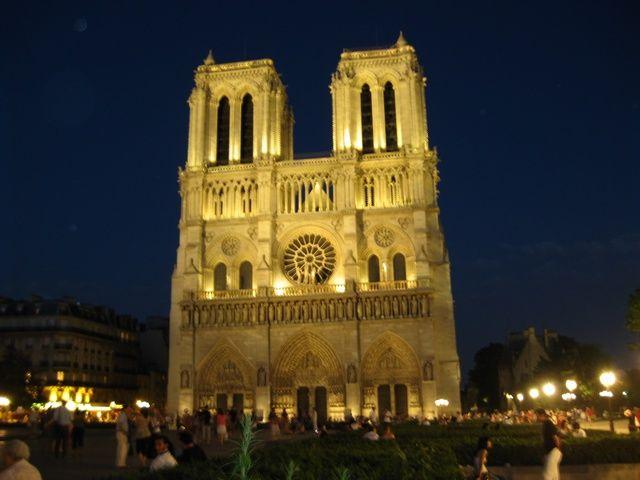 Zdjęcia: Katedra Notre-Dame , one night in Paris :), FRANCJA