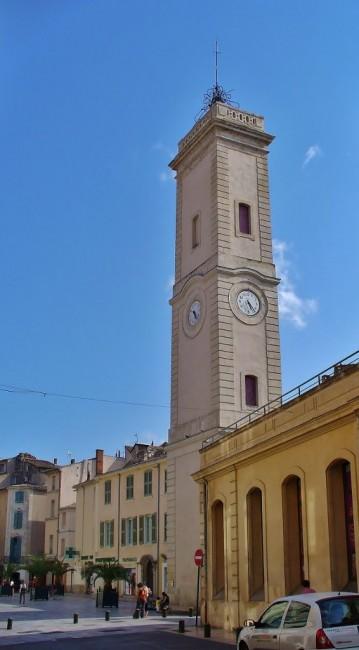 Zdjęcia: Nimes,  Langwedocja-Roussillon, Nimes, wierza zegarowa, FRANCJA