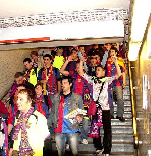 Zdjęcia: metro - kibice Barcelony , Paryż, ..., FRANCJA