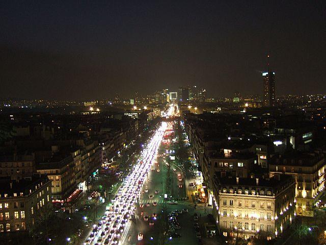 Zdjęcia: Paryz, Francja, spojrzenie z łuku triumfalnego w stronę La Defense, FRANCJA