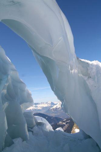 Zdjęcia: lodowiec Bosson, mostek, FRANCJA