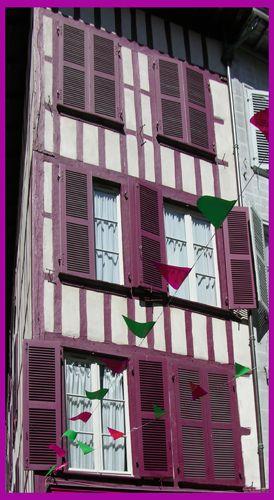 Zdjęcia: Bayonne, Akwitania, Okiennice, FRANCJA
