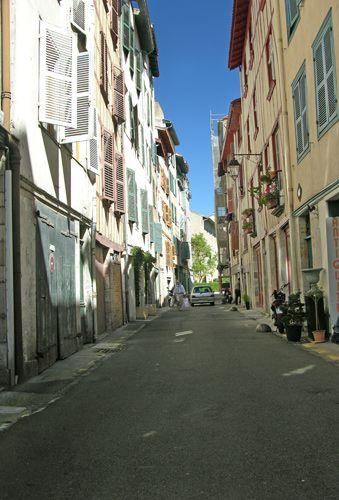 Zdj�cia: Bayonne, Akwitania, Uliczka, FRANCJA