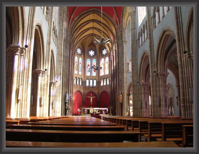Zdjęcia: Bayonne, Akwitania, W kościele, FRANCJA