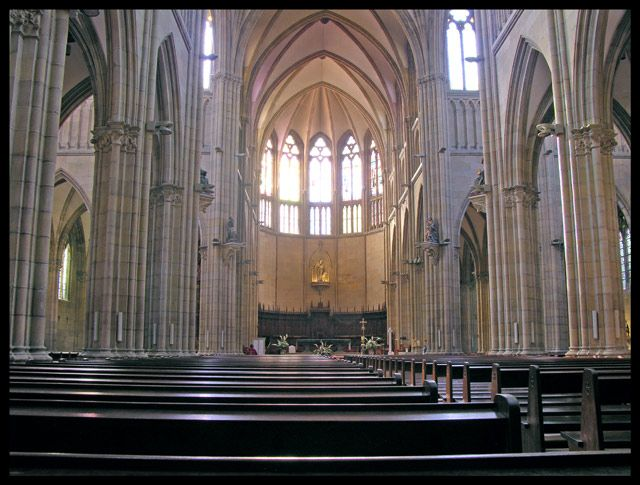Zdjęcia: Biarritz, Akwitania, Wnętrze katedry, FRANCJA