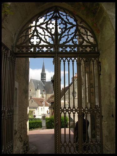 Zdjęcia: Montresor, Z bramy, FRANCJA