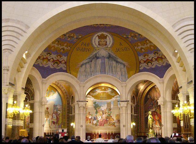 Zdjęcia: Lourdes, W kaplicy, FRANCJA