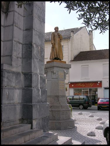 Zdj�cia: Lourdes, Pomnik, FRANCJA