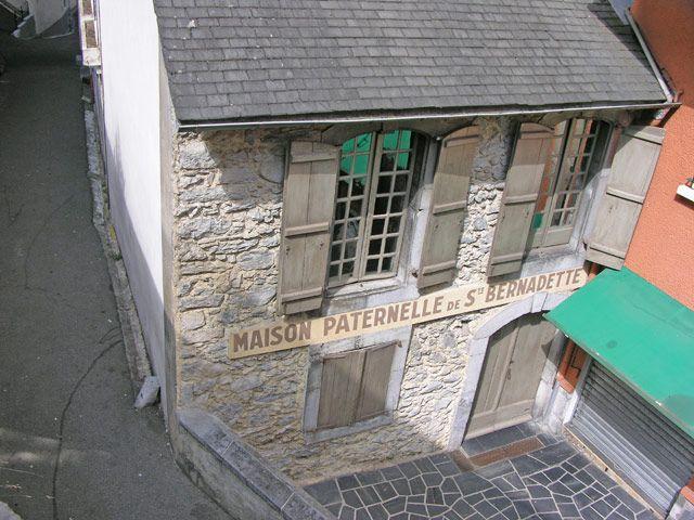 Zdjęcia: Lourdes, Dom św. Bernadety, FRANCJA