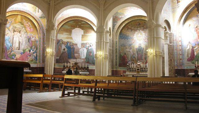 Zdjęcia: Lourdes, Freski, FRANCJA