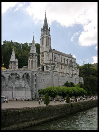 Zdjęcia: Lourdes, Nad grotą, FRANCJA