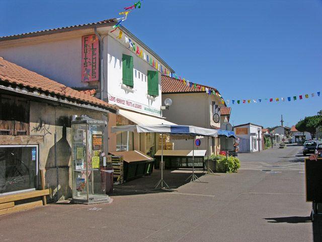 Zdjęcia: Vieux-Boucon, Akwitania, Jak na Dzikim Zachodzie, FRANCJA
