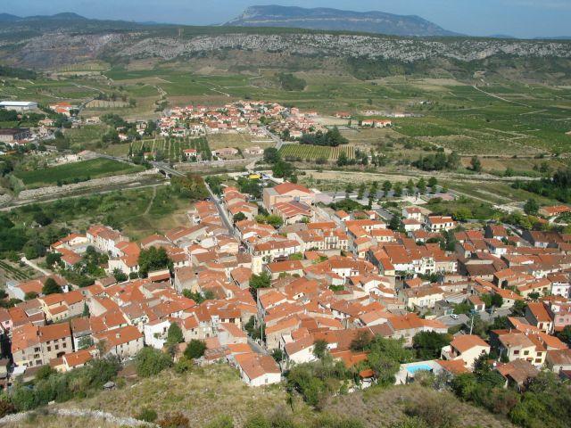 Zdjęcia: tautavel, wsch. Pireneje, czerwone dachy, FRANCJA