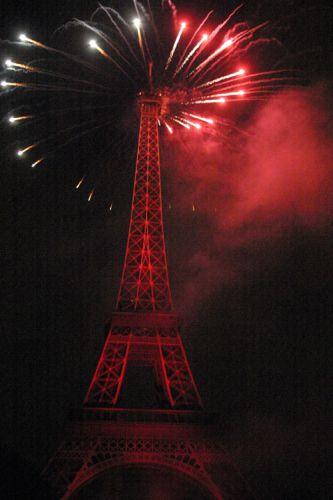 Zdjęcia: Paryż 15 lipca, Czerwony, FRANCJA