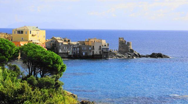Zdjęcia: Cap Corse, strona wschodnia, Korsyka, Village de France - Erbalunga, FRANCJA