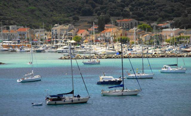 Zdjęcia: Macinaggio, Korsyka, Malowniczy port, FRANCJA