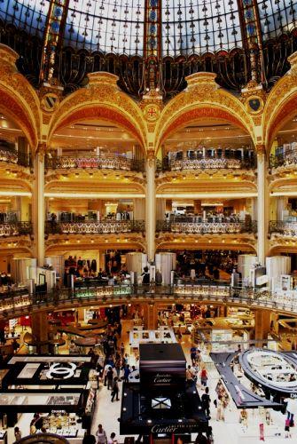 Zdjęcia: Galeria La Fayette, Paryż, Rano do katedry, a wieczorkiem... ukratkiem na zakupy..., FRANCJA