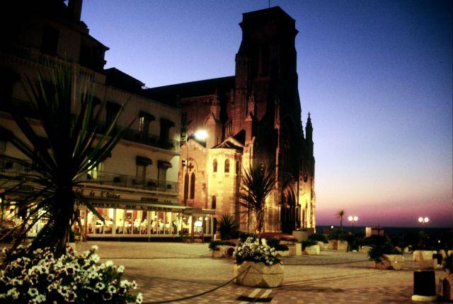 Zdjęcia: Biarritz, Casino nocą, FRANCJA
