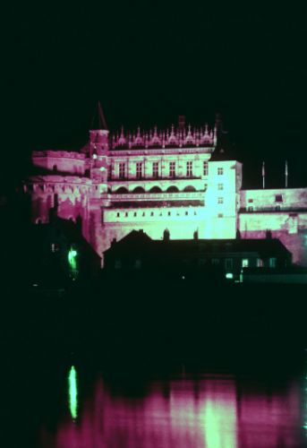 Zdjęcia: zamki nad Loarą, Amboise nocą, FRANCJA