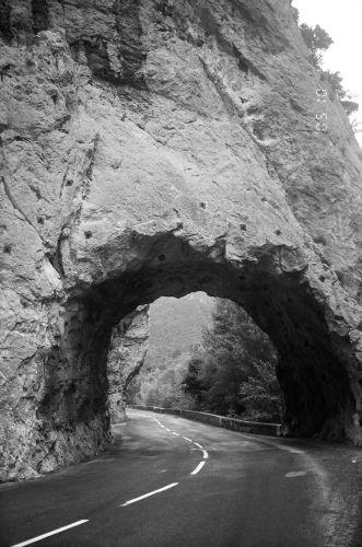 Zdjęcia: Francja, Fragment drogi w Pirenejach, FRANCJA
