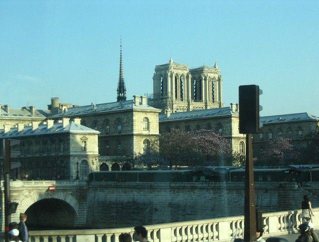 Zdjęcia: Paryż, Notre Dame i wieżyczka Świętej Kaplicy, FRANCJA