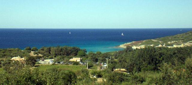 Zdjęcia: W drodze do Calvi, Korsyka, Lazurowa zatoczka, FRANCJA