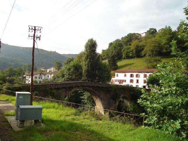 Zdjęcia: Między Bayonne a Saint Jean Pied de Port, Pireneje - witają, FRANCJA