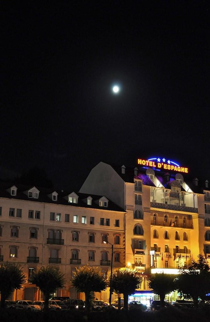 Zdjęcia: Lourdes, Midi-Pyrénées, Lourdes nocą, FRANCJA