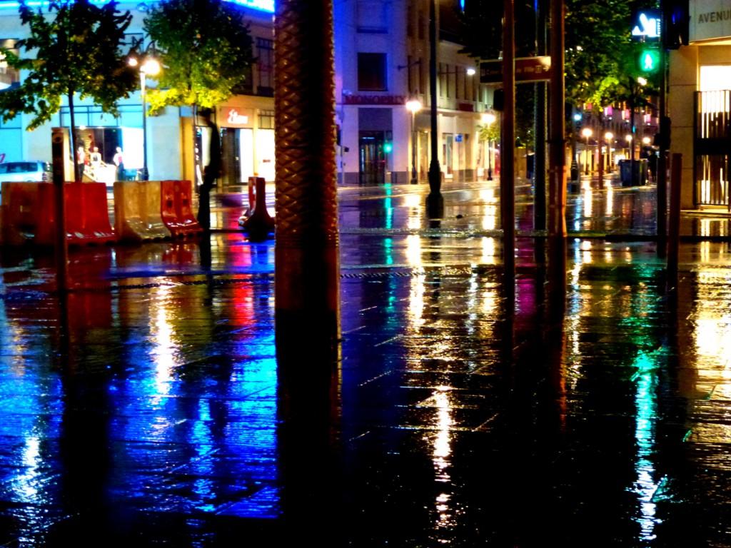 """Zdjęcia: Nicea, Lazurowe Wybrzeże, """"Po deszczu..."""", FRANCJA"""