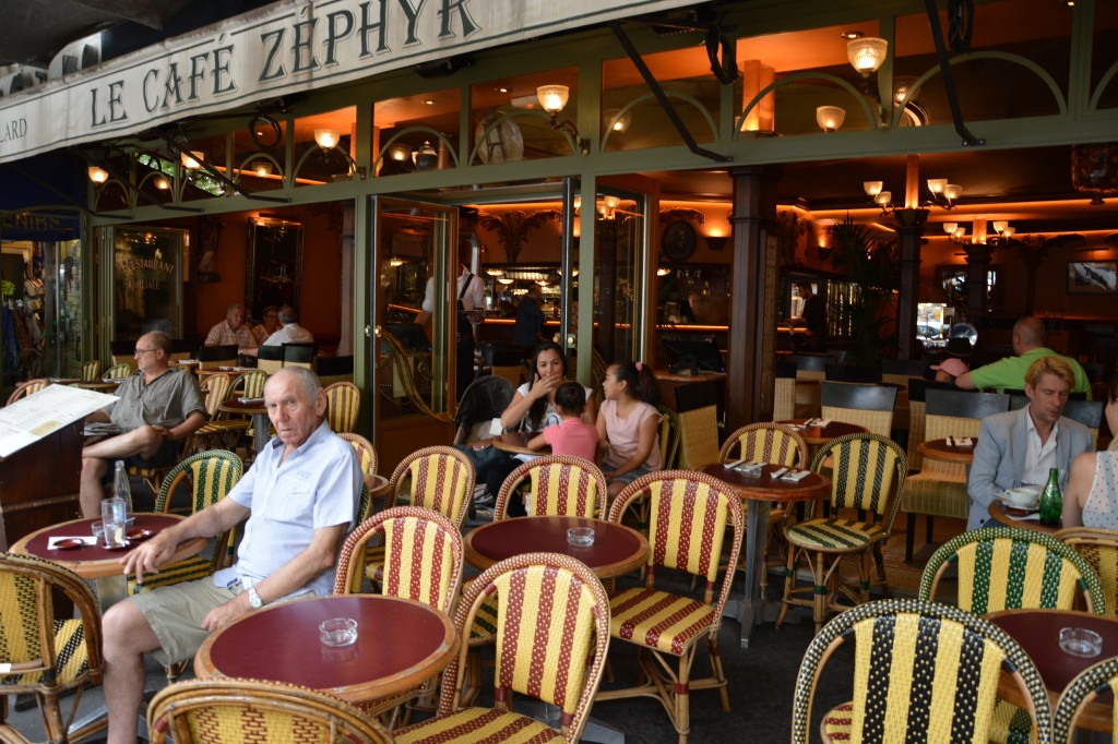"""Zdjęcia: Paryż, Dla Paryżąn """"życie to teatr"""" ;), FRANCJA"""