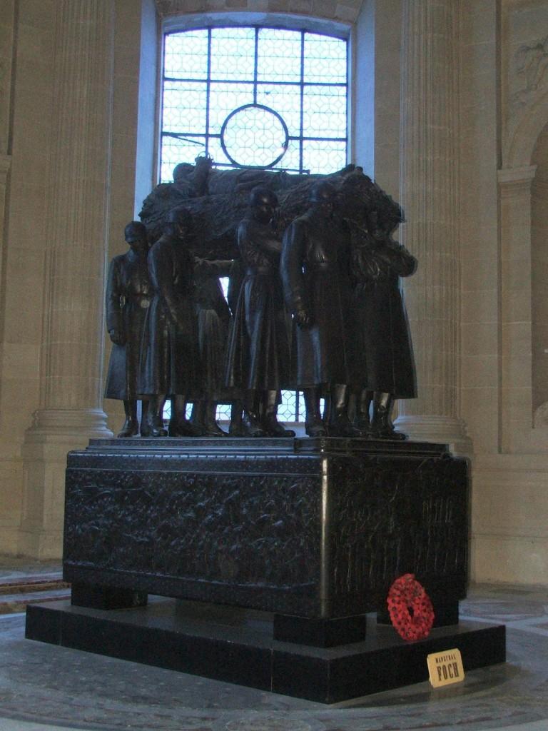 Zdjęcia: Paryż, Kościół Inwalidów (Dome des Invalides), Grobowiec Marszałka , FRANCJA