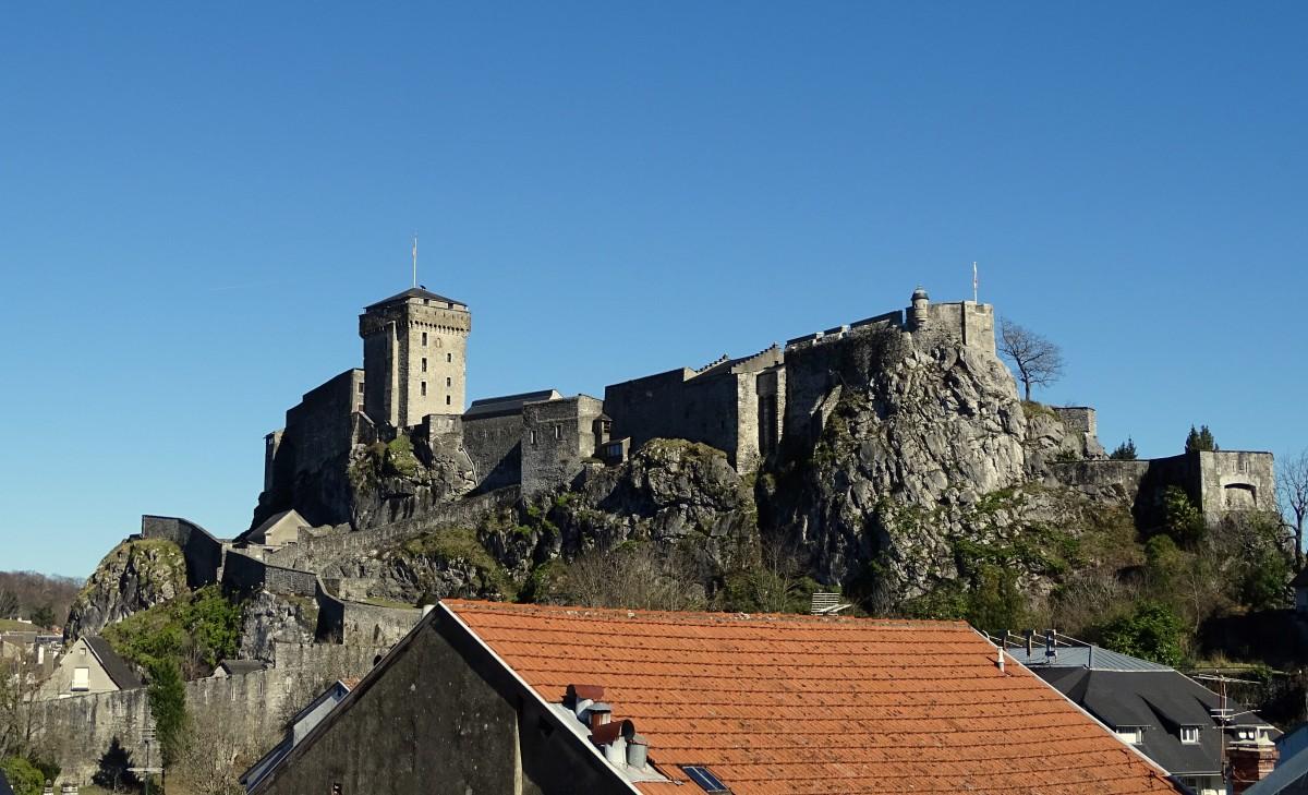 Zdjęcia: Lourdes,  Hautes-Pyrénées, Nie ma jak pokój z widokiem :), FRANCJA