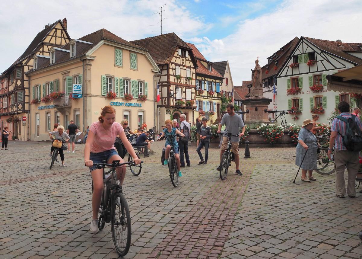 Zdjęcia: Eguisheim, Alzacja, tutaj zawsze dzieje się..., FRANCJA