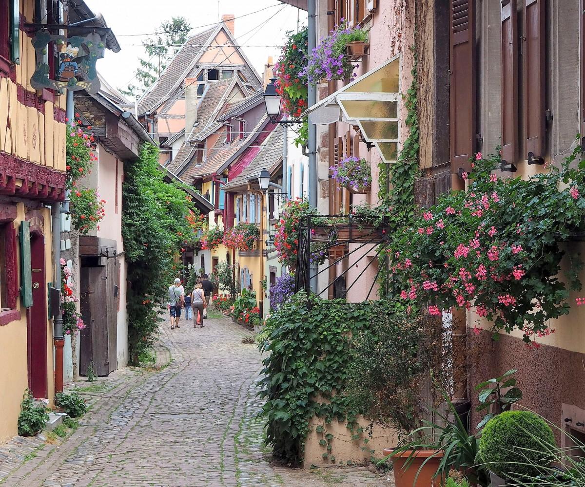 Zdjęcia: Eguisheim, Alzacja, lukrowane uliczki..., FRANCJA