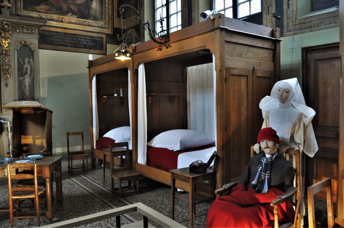 Zdjęcia: Beaune, Burgundia, Beaune, hospicjum z XV w., FRANCJA