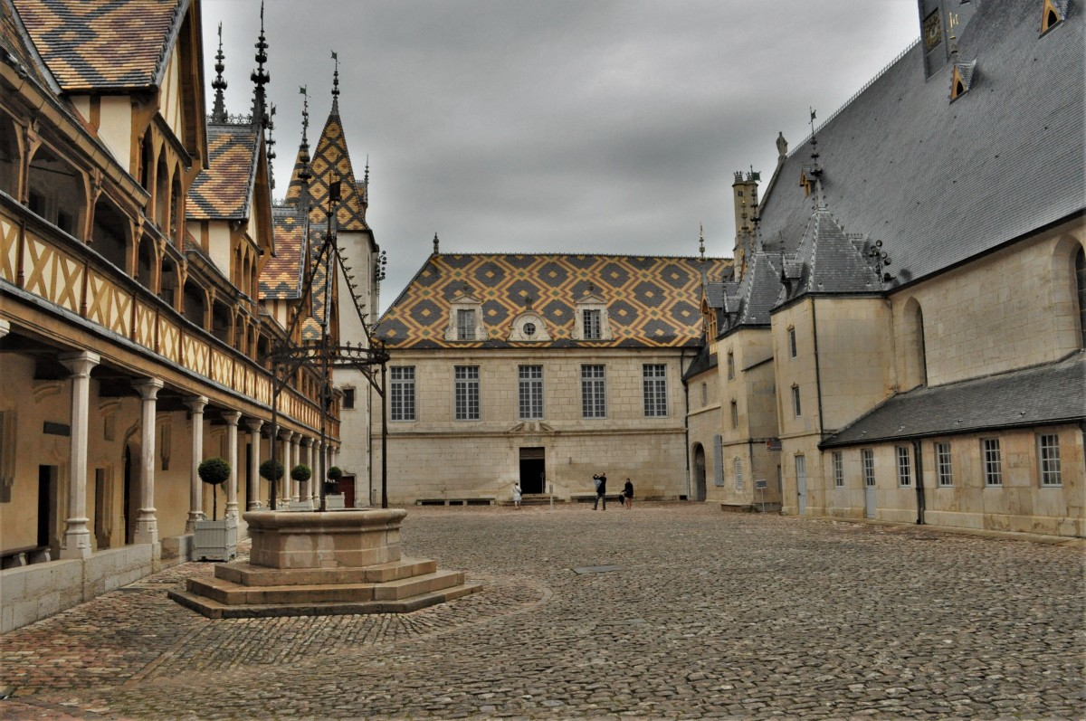 Zdjęcia: Beaune, Burgundia, Beaune,hospicjum z XV w., FRANCJA