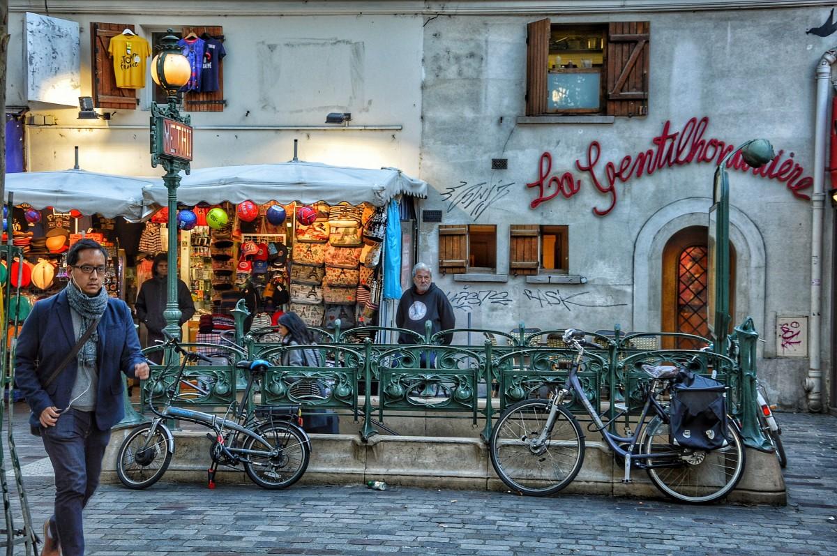 Zdjęcia: PARYŻ, Saint-Michel , FRANCJA
