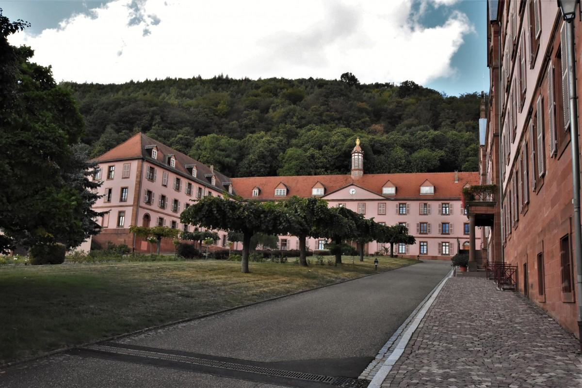 Zdjęcia: Oberbronn, Dolny Ren, Oberbronn, klasztor, FRANCJA