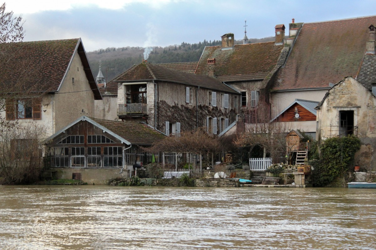 Zdjęcia: Quingey, Burgundia-Franche-Comté, Urokliwe miasteczko, FRANCJA