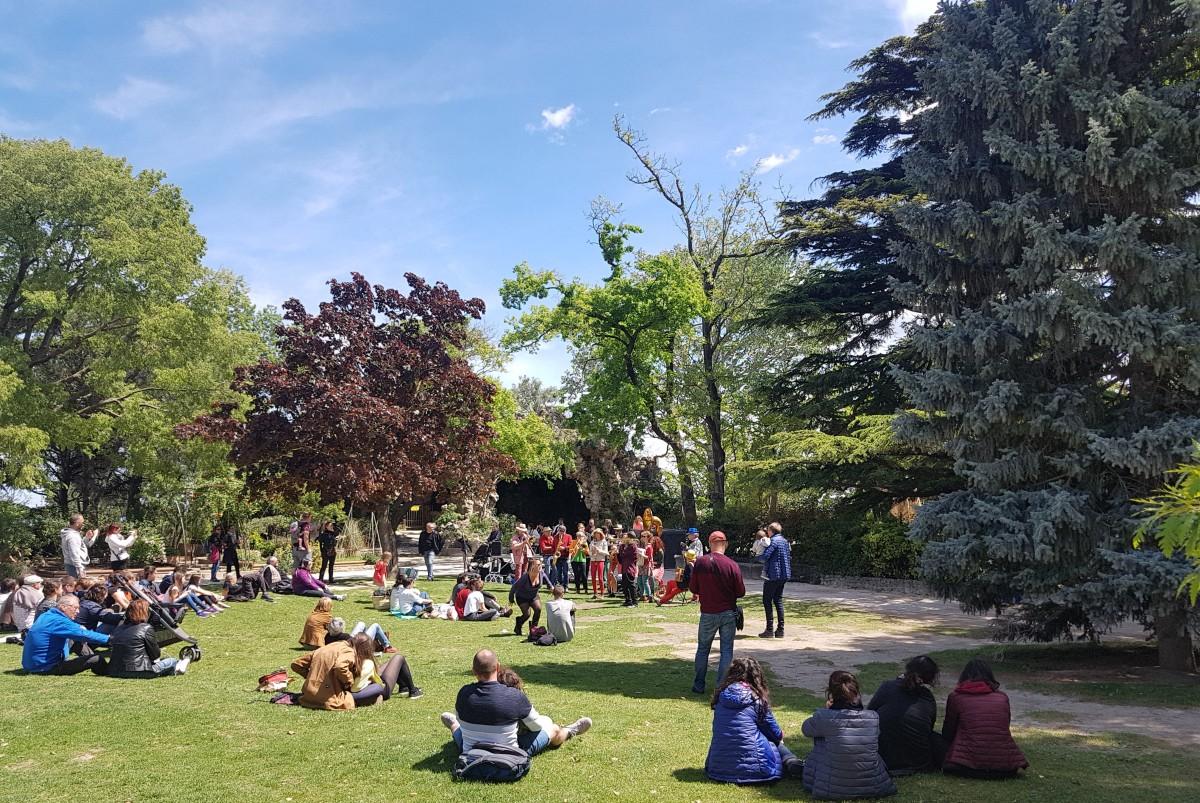 Zdjęcia: Avignon - Le Jardin des Doms, Prowansja, Jest  w orkiestrach dętych jakaś siła ;-), FRANCJA