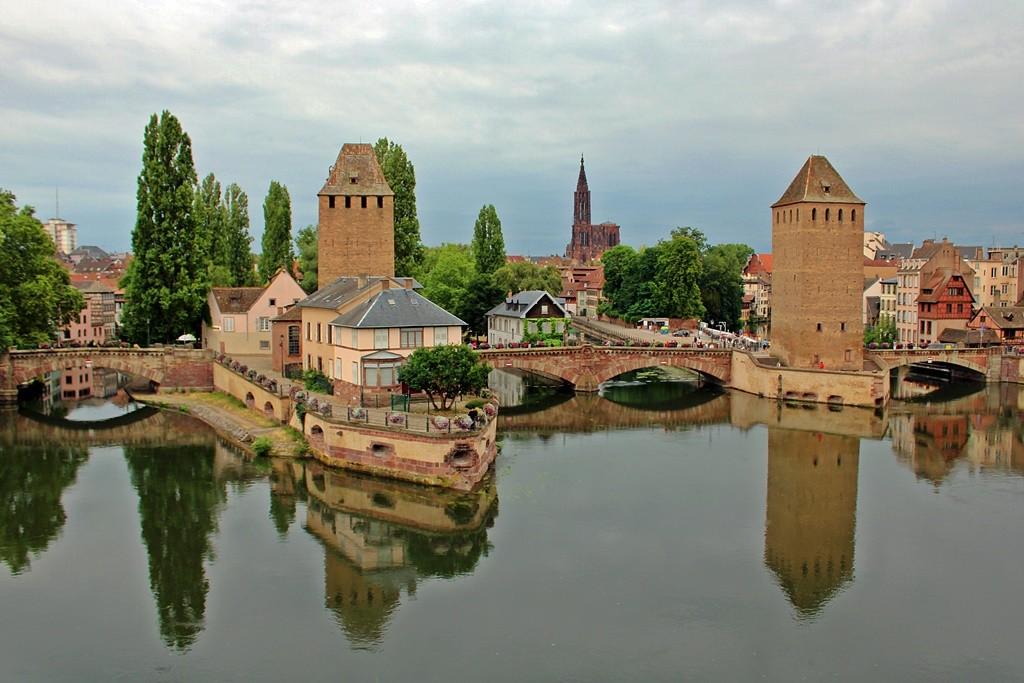 Zdjęcia: Strasburg, Alzacja, W lustrze, FRANCJA