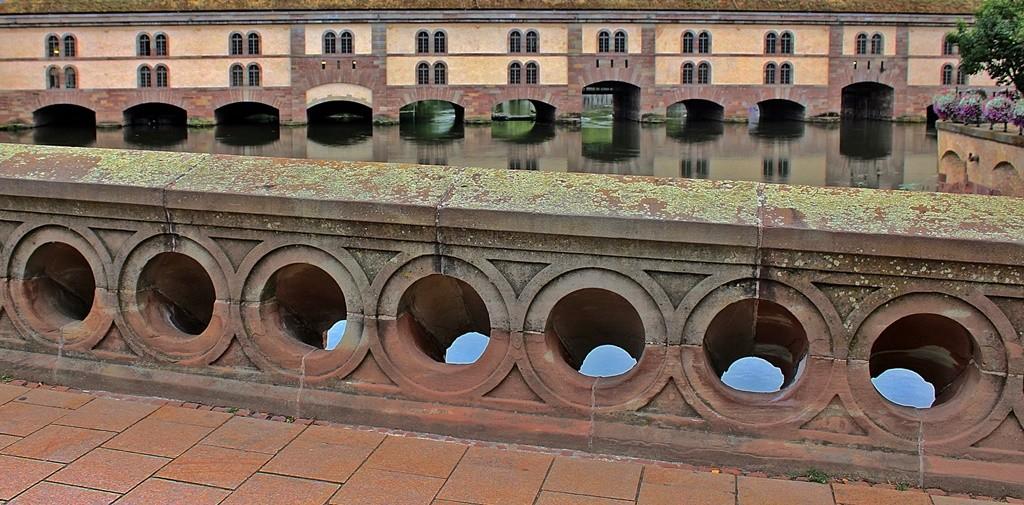 Zdjęcia: Strasburg, Alzacja , Na moście , FRANCJA