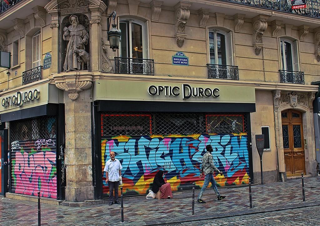 Zdjęcia: Paryż, Święty i graffiti, FRANCJA