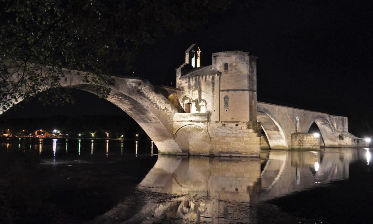 Zdjęcia: Avignon, Nad Rodanem, Na moście w Avignon, FRANCJA