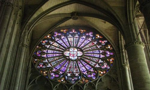 Zdjecie FRANCJA / Gaskonia / Carcassonne / witraże