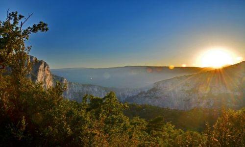 FRANCJA / Provance / Canyon du Verdun / Zachodzące słońce w Canyon du Verdun