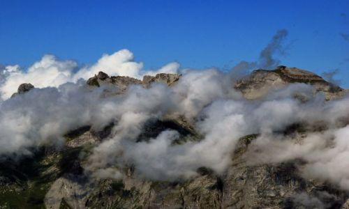 Zdjecie FRANCJA / Alpy / passy / w chmurach
