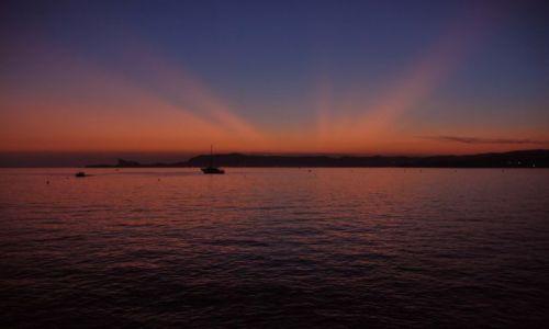 Zdjecie FRANCJA / prowansja / St.Cyr-sur-Mer / zatoka des lesques-zachód słońca