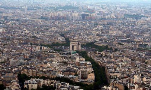 FRANCJA / - / Paryż / Widok na Łuk Triumfalny