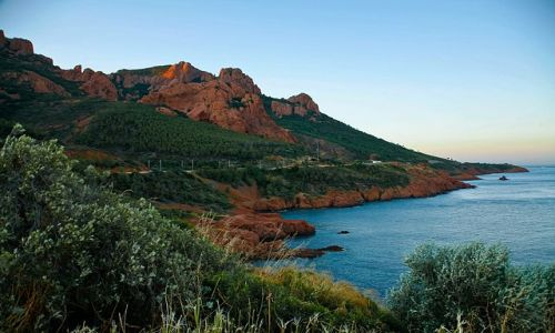 FRANCJA / Lazurowe Wybrzeże / La Trayas / W barwach zachodzącego słońca